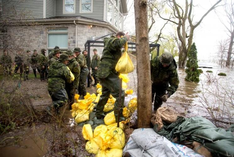 Canh tuong lu lut kinh hoang o Canada-Hinh-3