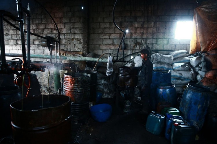 Kinh ngac dan Syria bien rac thai nhua thanh nhien lieu-Hinh-2