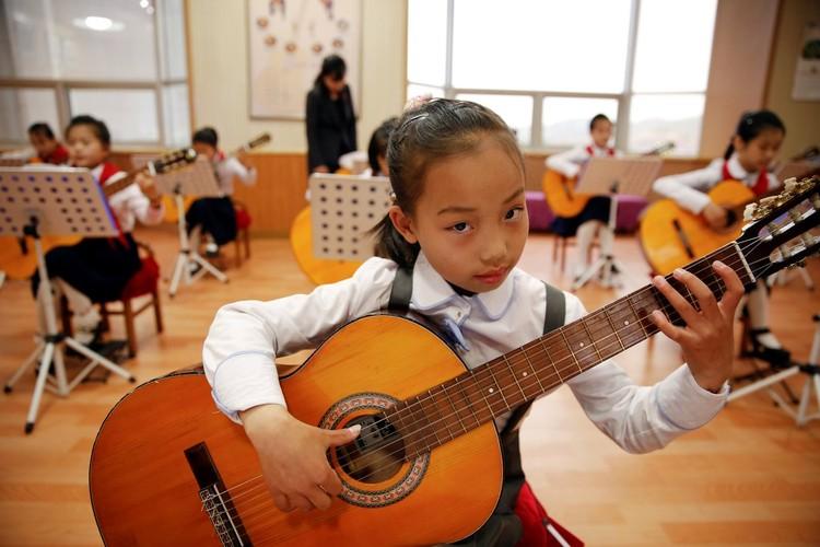Cuoc song tuong phan cua cac em nho Trieu Tien-Hinh-12