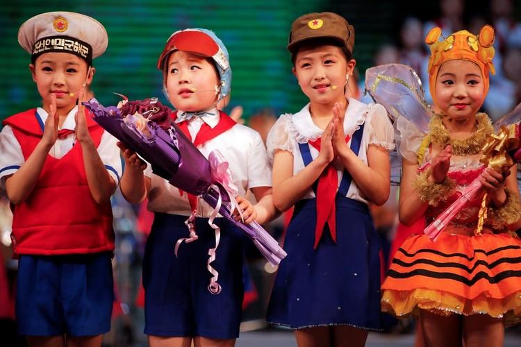Cuoc song tuong phan cua cac em nho Trieu Tien-Hinh-13