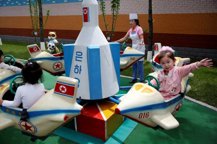 Cuoc song tuong phan cua cac em nho Trieu Tien-Hinh-14