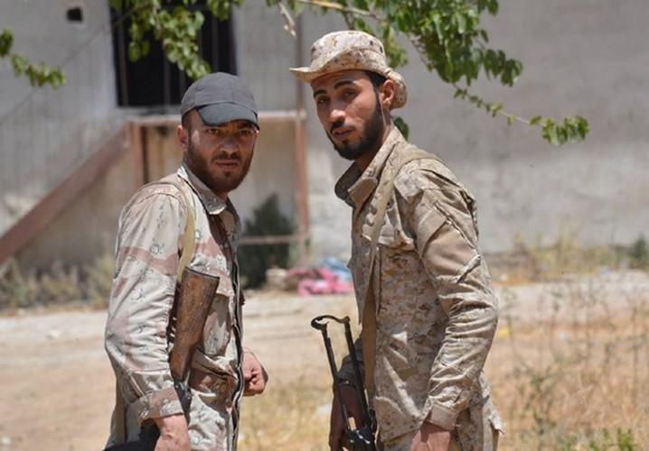 Quan doi Syria noi lai chien dich chong khung bo o Damascus-Hinh-3