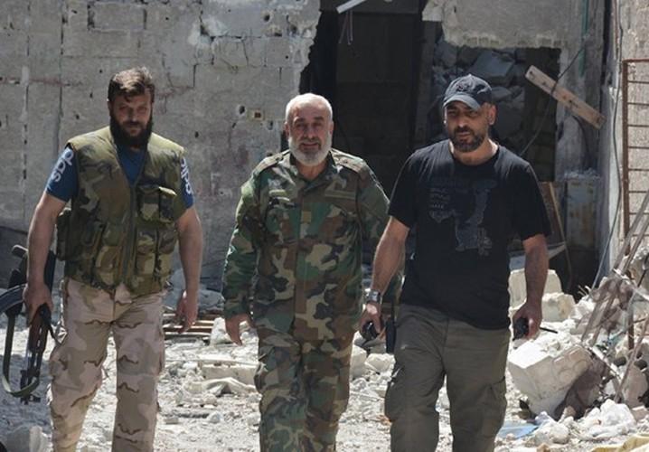 Quan doi Syria noi lai chien dich chong khung bo o Damascus-Hinh-8