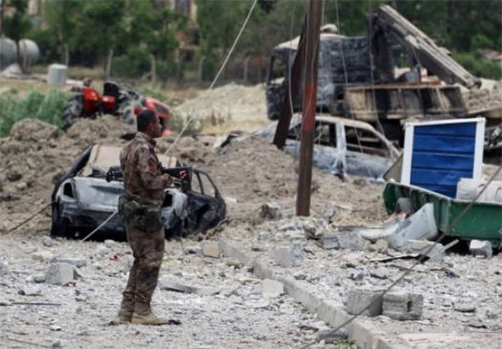 Chum anh Tay Mosul sap sach bong phien quan IS-Hinh-2