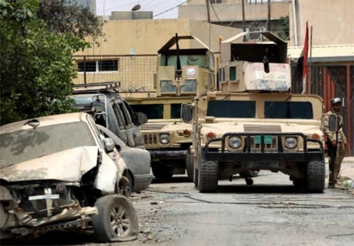 Chum anh Tay Mosul sap sach bong phien quan IS-Hinh-6