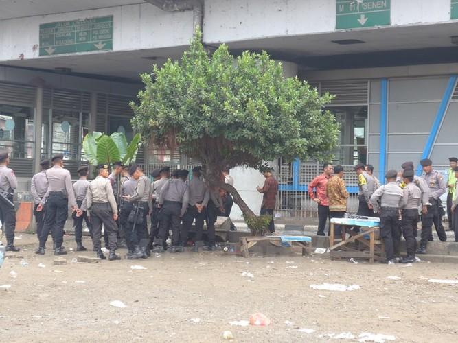 Hien truong danh bom o Indonesia qua anh PV Viet Nam-Hinh-6