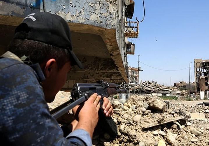 Quan doi Iraq vay chat phien quan IS o Thanh co Mosul-Hinh-3