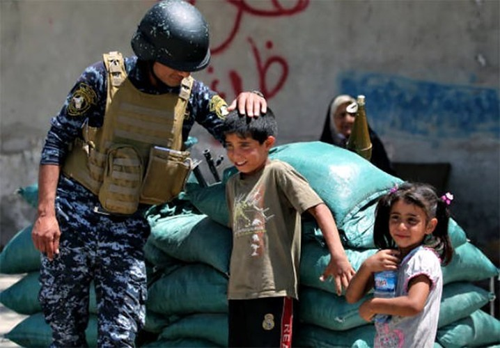 Quan doi Iraq vay chat phien quan IS o Thanh co Mosul-Hinh-5