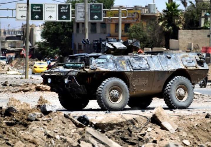 Quan doi Iraq vay chat phien quan IS o Thanh co Mosul-Hinh-6