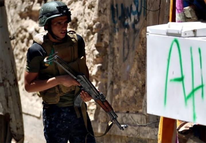 Quan doi Iraq vay chat phien quan IS o Thanh co Mosul