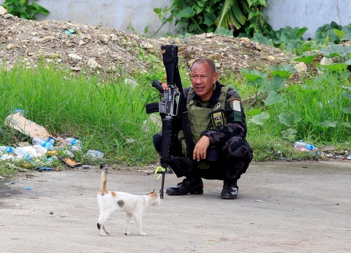 Anh: Giao tranh ac liet tiep dien tai thanh pho Marawi cua Philippines-Hinh-13