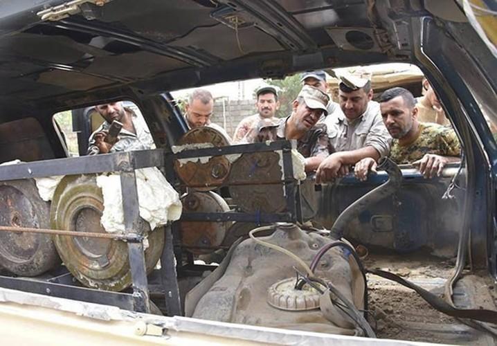 "Chum anh tich thu kho vu khi ""khung"" cua IS o Mosul-Hinh-11"