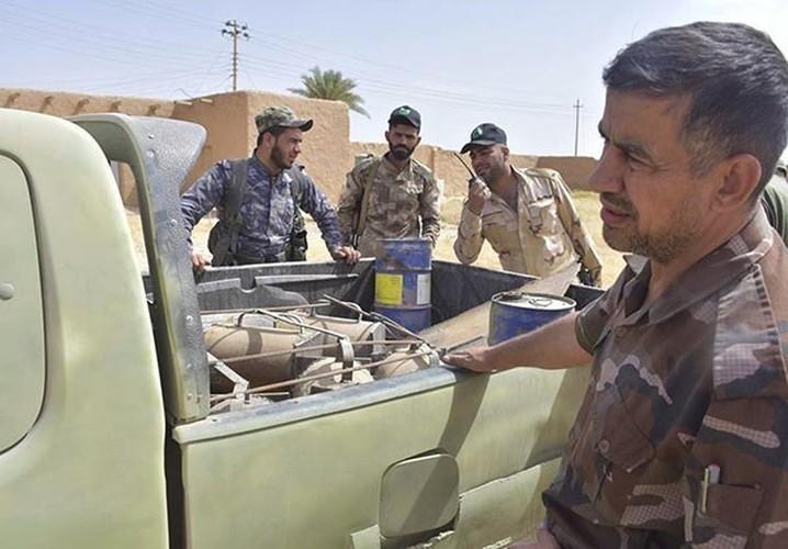 "Chum anh tich thu kho vu khi ""khung"" cua IS o Mosul-Hinh-4"