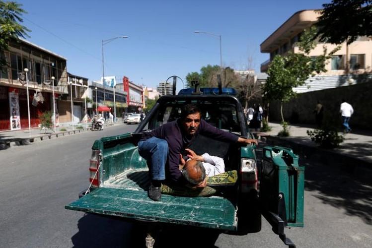 Hien truong danh bom dam mau o Kabul, 430 nguoi thuong vong-Hinh-11