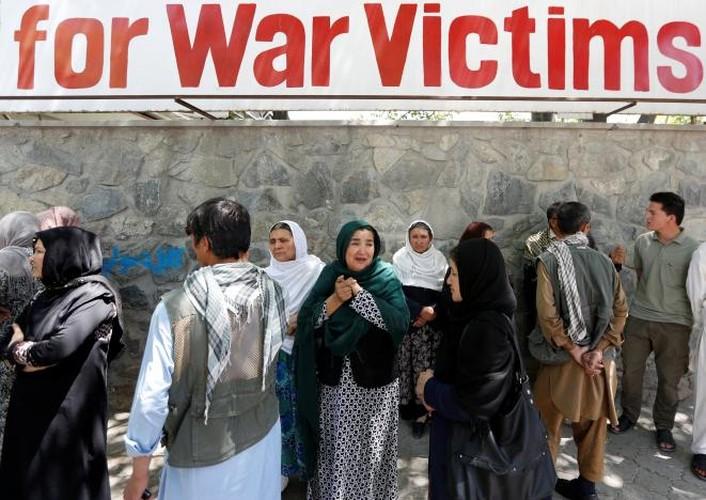 Hien truong danh bom dam mau o Kabul, 430 nguoi thuong vong-Hinh-12