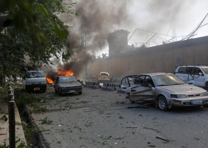Hien truong danh bom dam mau o Kabul, 430 nguoi thuong vong-Hinh-7