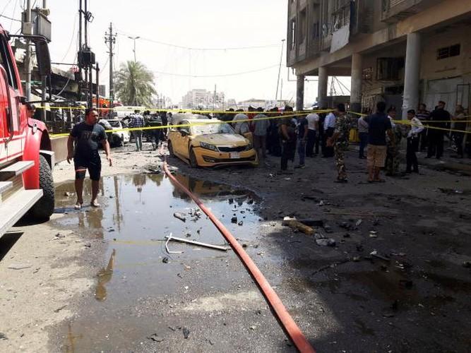 Hien truong danh bom rung chuyen Iraq, hon 130 nguoi thuong vong-Hinh-4