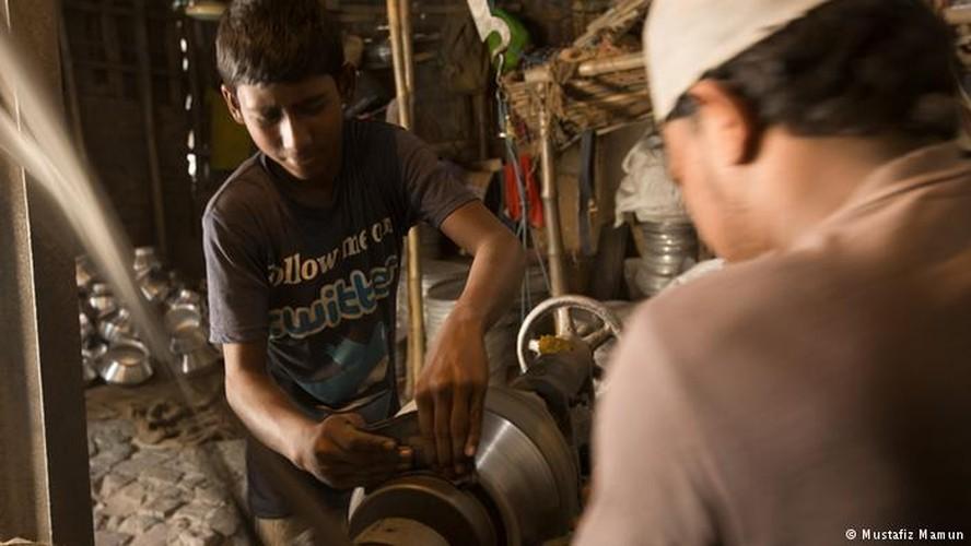 """Tuoi tho bi danh cap"" cua lao dong tre em Bangladesh-Hinh-4"