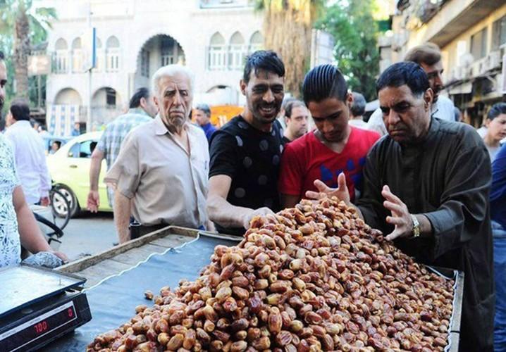 Canh mua sam o Damascus cho thang an chay Ramadan-Hinh-7