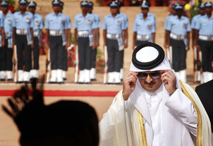 "Quoc vuong Qatar - nhan vat tam diem trong vu ""tay chay"" o Arab"
