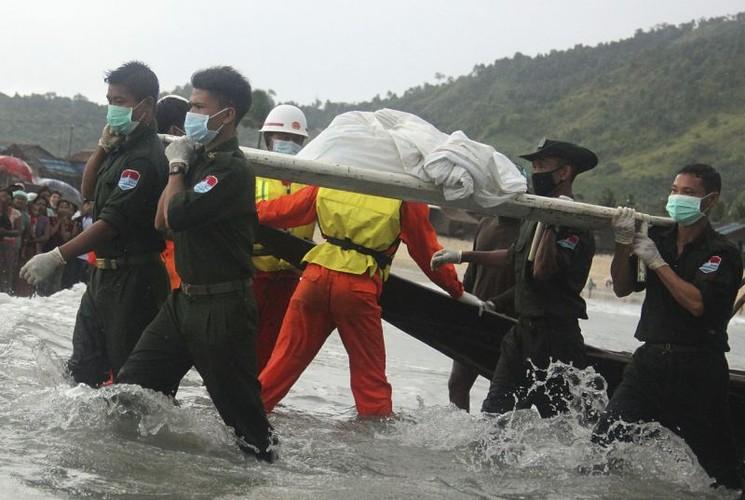 Hinh anh tim kiem nan nhan vu roi may bay o Myanmar-Hinh-9