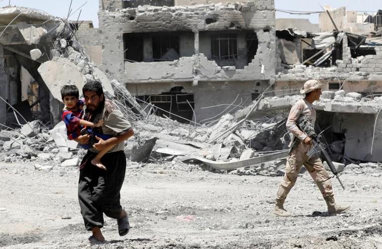 Hinh anh tre em Iraq chay khoi Tay Mosul-Hinh-6