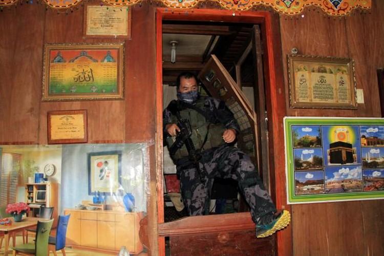 Chum anh Quan doi Philippines truy lung khung bo o Marawi-Hinh-9