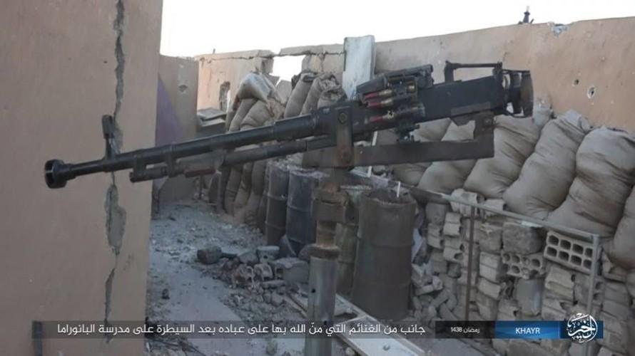 Anh: Phien quan IS doc toan luc danh chiem Deir ez-Zor-Hinh-12