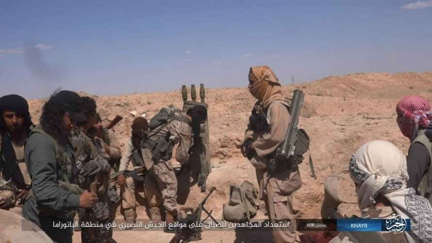Anh: Phien quan IS doc toan luc danh chiem Deir ez-Zor-Hinh-13