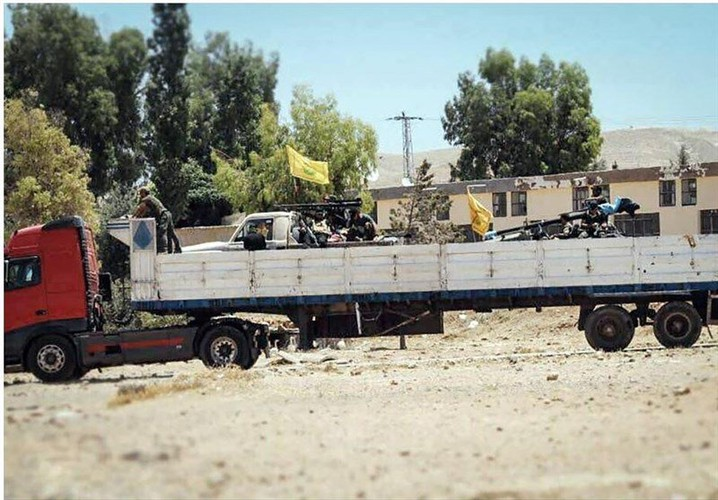 Chum anh dan quan Iraq tiep suc cho Syria tren bien gioi-Hinh-4