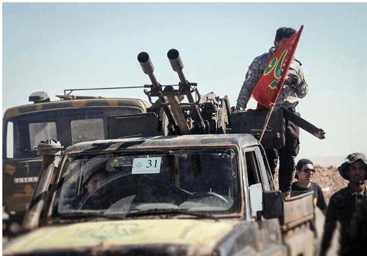 Chum anh dan quan Iraq tiep suc cho Syria tren bien gioi-Hinh-8