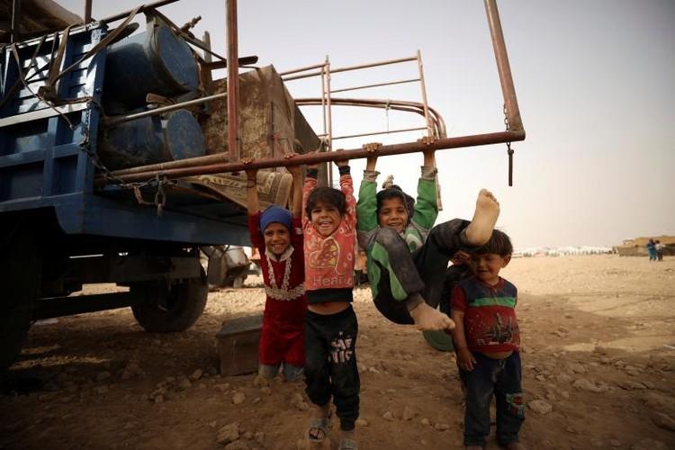 Cuoc song thuong dan Syria chay khoi Raqqa-Hinh-7