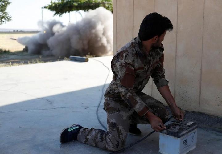 Anh nong hoi chien dich giai phong Raqqa khoi phien quan IS-Hinh-4