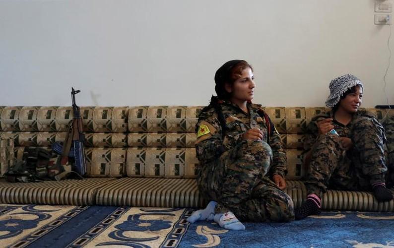 Anh nong hoi chien dich giai phong Raqqa khoi phien quan IS-Hinh-7