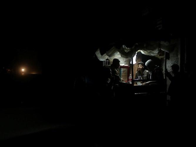 Anh: Bieu tinh du doi o Dai Gaza vi thieu dien-Hinh-10