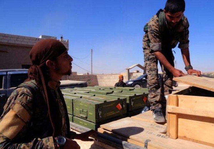 "Anh: My ""tuon"" vu khi cho nguoi Kurd tai Raqqa-Hinh-9"