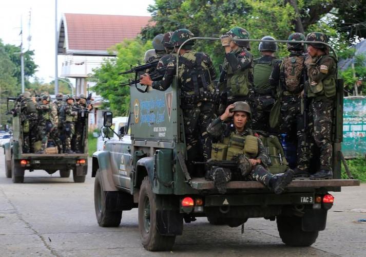 Anh: Quan doi Philippines tan cong khung bo o Marawi-Hinh-12