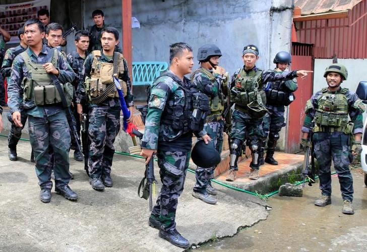 Anh: Quan doi Philippines tan cong khung bo o Marawi-Hinh-7