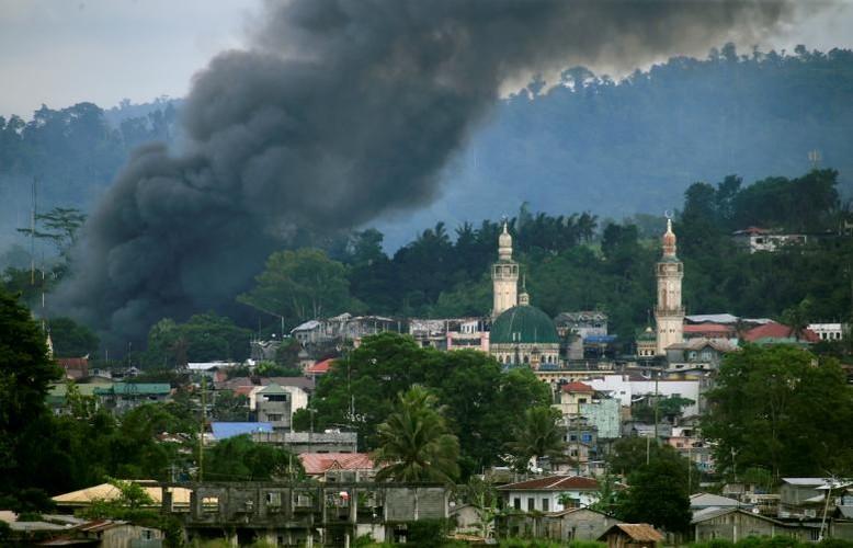 Anh: Quan doi Philippines tan cong khung bo o Marawi-Hinh-8
