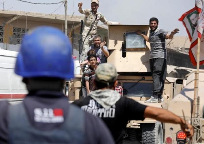 Anh: Giao tranh du doi, dan Iraq keo nhau roi Thanh co Mosul-Hinh-7