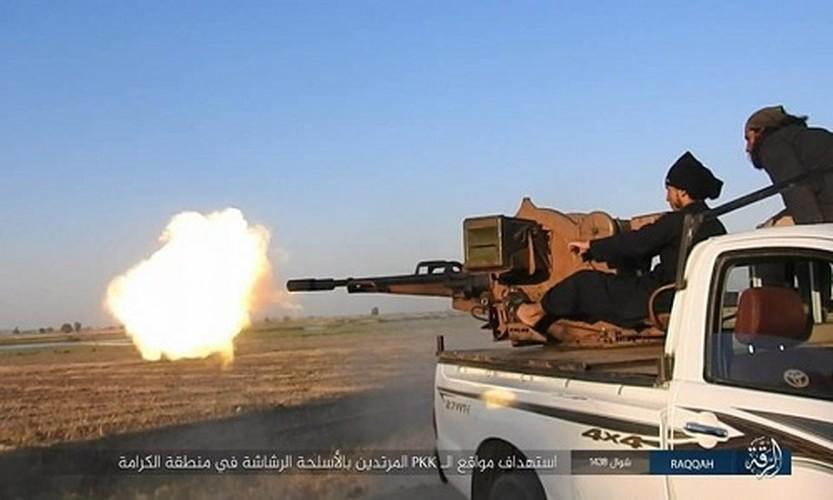 Anh: Phien quan IS khang cu ac liet luc luong SDF o Raqqa-Hinh-2
