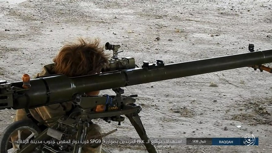 Anh: Phien quan IS khang cu ac liet luc luong SDF o Raqqa-Hinh-3