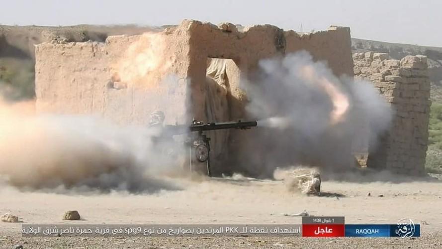 Anh: Phien quan IS khang cu ac liet luc luong SDF o Raqqa-Hinh-4