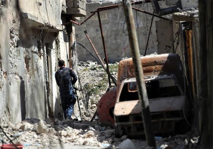 Anh: Quan doi Iraq thoc sau vao khu pho co Mosul-Hinh-9