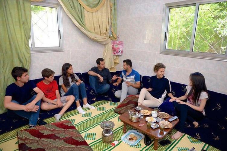 Anh: Tong thong Assad tham binh si Syria bi thuong o Hama-Hinh-8