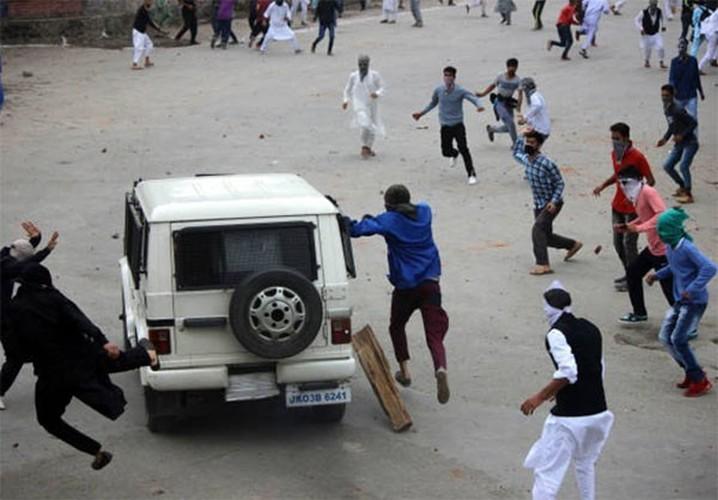Anh: Dung do du doi bung phat o Kashmir dip le Eid al-Fitr-Hinh-10