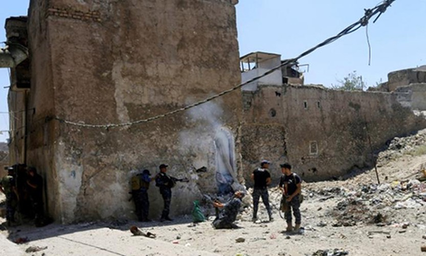 Anh: Iraq truy quet phien quan IS trong Thanh co Mosul-Hinh-7