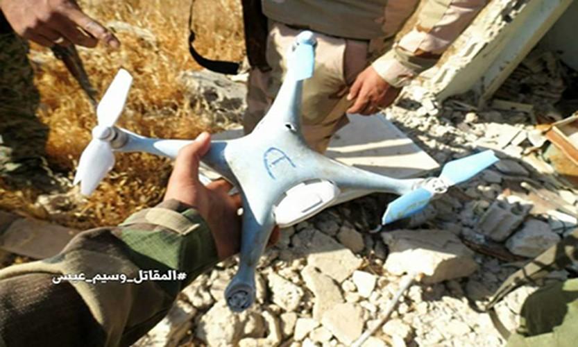 Anh: Quan doi Syria ban ha UAV cua khung bo than al-Qaeda-Hinh-6