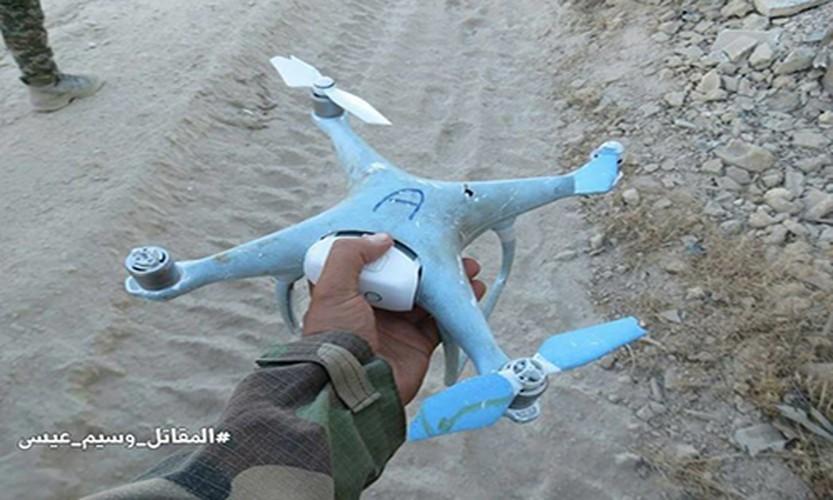 Anh: Quan doi Syria ban ha UAV cua khung bo than al-Qaeda