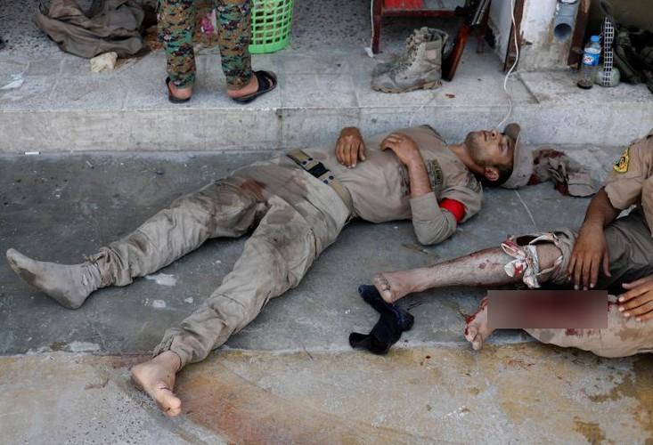 Canh kinh hai ben trong benh vien da chien o Raqqa-Hinh-7